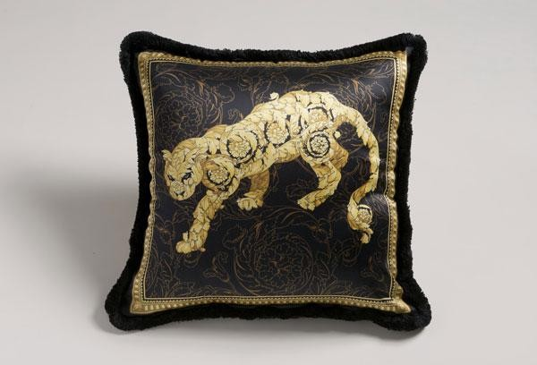 preview (1) Duyal  Don´t miss the ultimate luxury pillows and throws to dress your interiors preview 1 Duyal