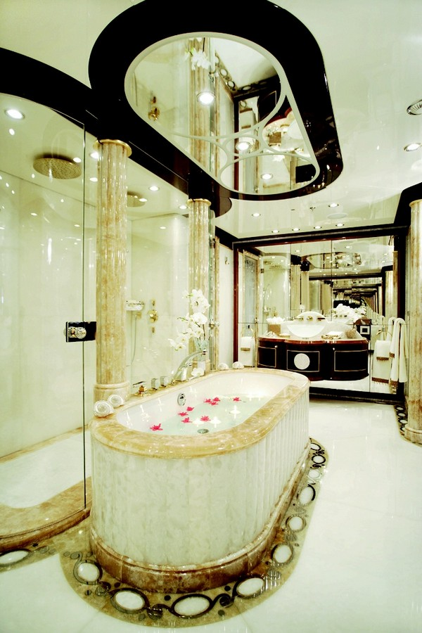 10 Beautifull decorative mirrors to create unique bathrooms 9ad49e1f36dd432ecf6c9c83aedb185a