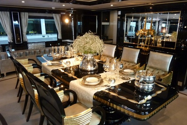 Top 10 luxury dining table to be odsessed Mondo Marine yacht Alexander Again Luxurious dining table Photo Alessio Baleri