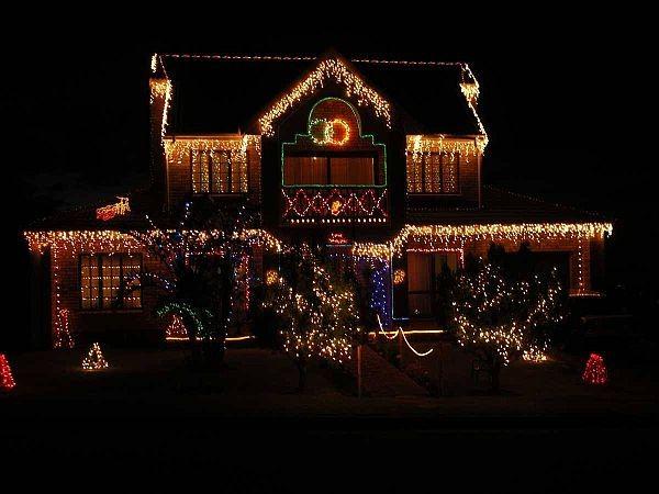 KONICA MINOLTA DIGITAL CAMERA  Inspiring outdoor christmas decorations that you will love! Outdoor Christmas Decorations 4