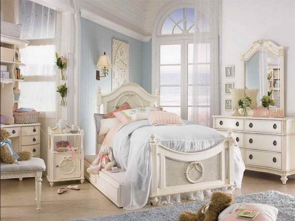 Choose the perfect bedroom decoration girl Shabby Chic Comfortable Little Girl Bedroom Ideas