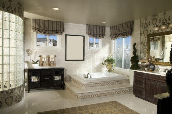 Luxury bathroom ideas interior decoration for Luxury bathroom ideas