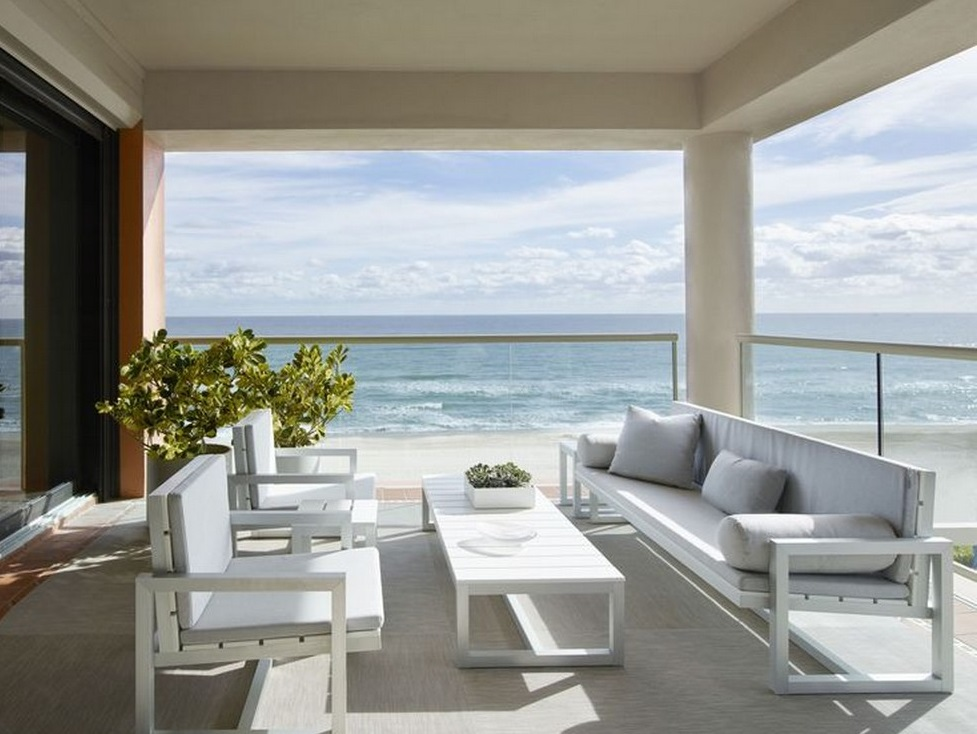 The New Contemporary Apartment in Palm Beach with Art and Coastal Decor Contemporary Apartment New Contemporary Apartment in Palm Beach with Art and Coastal Decor Contemporary Apartment The New Contemporary Apartment in Palm Beach with Art and Coastal Decor 1