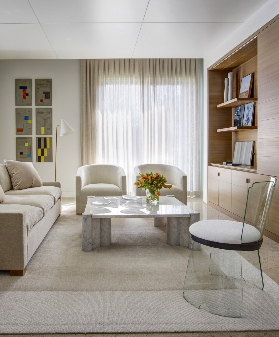The New Contemporary Apartment in Palm Beach with Art and Coastal Decor Contemporary Apartment New Contemporary Apartment in Palm Beach with Art and Coastal Decor The New Contemporary Apartment in Palm Beach with Art and Coastal Decor Celabrate Design 1