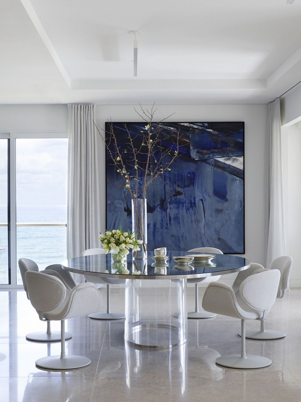 The New Contemporary Apartment in Palm Beach with Art and Coastal Decor Contemporary Apartment New Contemporary Apartment in Palm Beach with Art and Coastal Decor The New Contemporary Apartment in Palm Beach with Art and Coastal Decor Contemporary Apartment