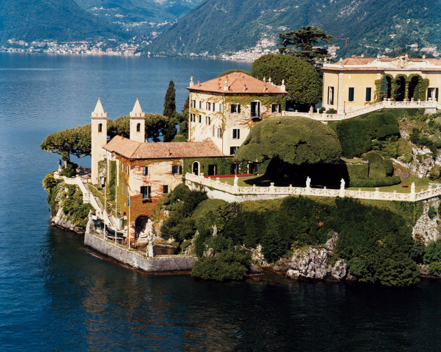 Home Tour: George Clooney's Incredible Lake Como Mansion home tour Home Tour: George Clooney's Incredible Lake Como Mansion Home Tour George Clooneys Incredible Lake Como Mansion 1 1