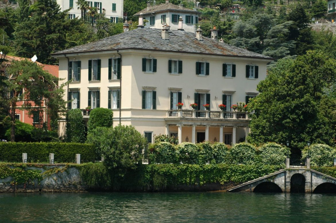 Home Tour: George Clooney's Incredible Lake Como Mansion home tour Home Tour: George Clooney's Incredible Lake Como Mansion Home Tour George Clooneys Incredible Lake Como Mansion 3