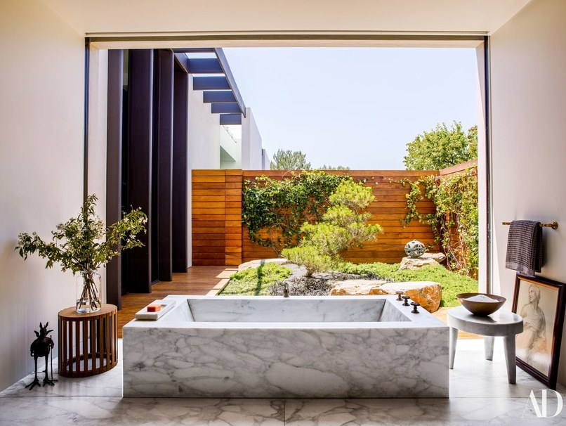 Celebrity Homes: Top 6 Celebrity Bathrooms of 2018 celebrity homes Celebrity Homes: Top 6 Celebrity Bathrooms of 2018 Celebrity Homes Top 6 Celebrity Bathrooms of 2018 1