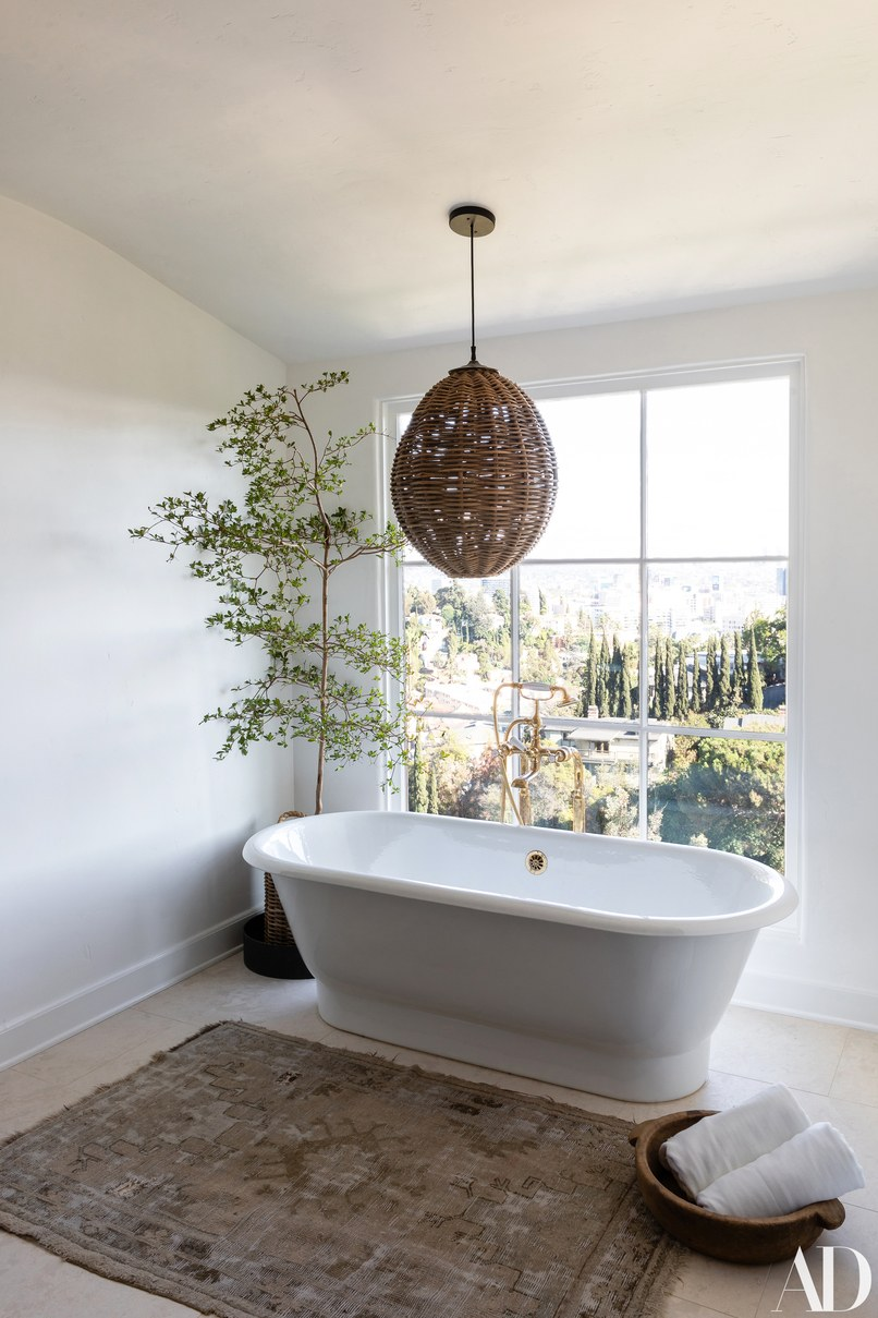 celebrity homes Celebrity Homes: Top 6 Celebrity Bathrooms of 2018 Celebrity Homes Top 6 Celebrity Bathrooms of 2018 5